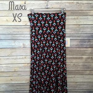 LuLaRoe XS Maxi Skirt - black background